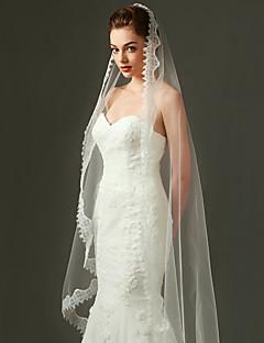 Wedding Veil One-tier Fingertip Veils / Chapel Veils  Applique Edge