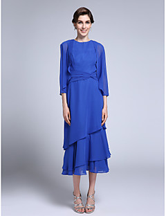 Sheath / Column Mother of the Bride Dress Knee-length 3/4 Length Sleeve Chiffon with Side Draping
