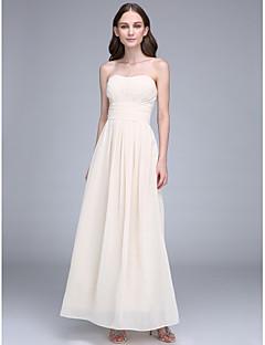 באורך הקרסול שיפון שמלה לשושבינה - מעטפת \ עמוד סטרפלס עם תד נשפך / סלסולים