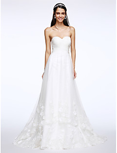 Lanting Bride® A-line Wedding Dress Sweep / Brush Train Sweetheart Tulle with Criss-Cross / Appliques