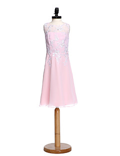 2017 Lanting Bride® Knee-length Chiffon / Lace Junior Bridesmaid Dress Sheath / Column Jewel with Appliques / Beading