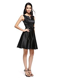 TS Couture Cocktailparty Skolebal Kjole - Lille sort kjole A-linje Med åbning Kort / mini Satin med Sløjfe(r) Bælte / bånd Plissé