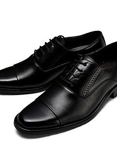 Herren Outdoor Komfort formale Schuhe Leder Herbst Hochzeit Komfort formale Schuhe Schnürsenkel Flacher Absatz Schwarz Braun Unter 2,5 cm