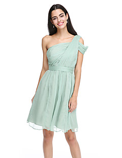 2017 לנטינג bride® שיפון באורך הברך שמלת השושבינה אלגנטי - א-קו כתף אחת עם אבנט