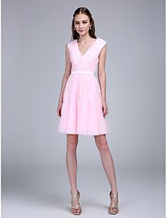 2017 ts couture® κόμμα φόρεμα κοκτέιλ A-γραμμή V-λαιμό γόνατο τούλι με επιθήματα / φύλλο / κορδέλα