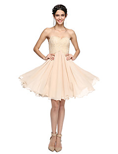 2017 Lanting Bride® Knee-length Chiffon / Lace Lace-up Bridesmaid Dress - A-line Sweetheart with Beading