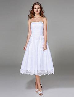 Lanting Bride® A-Linie Svatební šaty - Klasické & nadčasové Malé bílé K lýtkům Bez ramínek Krajka s Nabírané