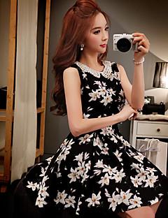 Damen Hülle Das kleine Schwarze Swing Kleid-Ausgehen Lässig/Alltäglich Urlaub Retro Boho Anspruchsvoll Blumen Einfarbig Peter Pan-Kragen