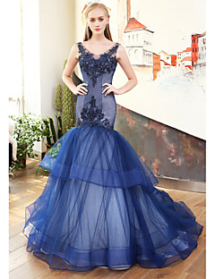 Mermaid / Trumpet V-neck Court Train Lace Satin Tulle Rehearsal Dinner Formal Evening Dress with Beading Lace by QZ
