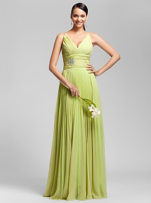Floor-length Chiffon Bridesmaid Dress Sheath / Column V-neck / Spaghetti Straps Plus Size / Petite withBeading / Pleats / Ruching / Side