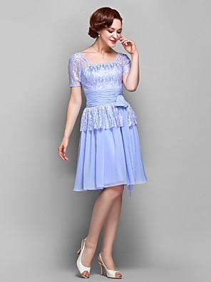 Lanting Bride® A-linje Plusstørrelse / Petite Kjole til brudens mor Knælang Kortærmet Chiffon / Blondelukning - Sløjfe(r) / Blonde /