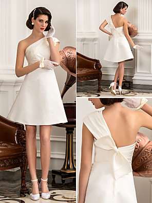 Lanting Bride® גזרת A / נסיכה קטן / מידה גדולה שמלת כלה - קלסי ונצחי / שיק ומודרני / לקבלת פנים קו תחתון פשוט באורך  הברך כתפיה אחת סאטן