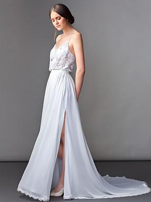 Lanting Bride® Szűk szabású Alacsony Menyasszonyi ruha Seprő uszály V-nyakkivágás Sifon val vel