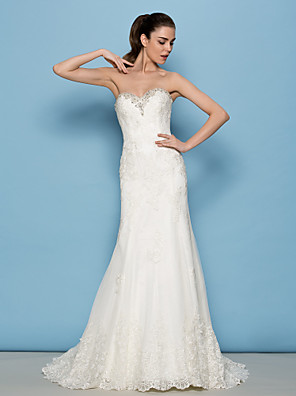 Lanting Bride® Sheath / Column Petite Wedding Dress Sweep / Brush Train Sweetheart Lace with