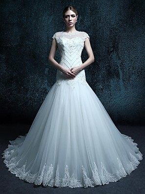 Trumpet / Mermaid Wedding Dress Court Train Scoop Tulle with