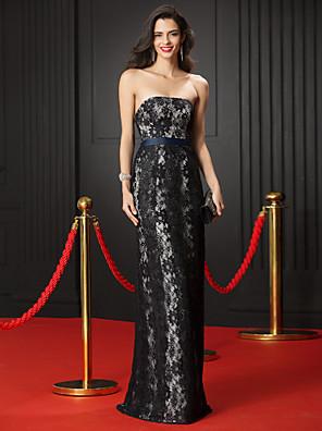 ts couture® vestido de noite formal bainha / strapless coluna rendas andar de comprimento com laço