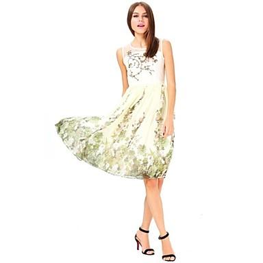 Vestido floral bordado