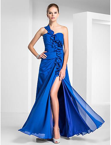 Vestidos de madrinha azuis inspirados em Patrícia Poeta