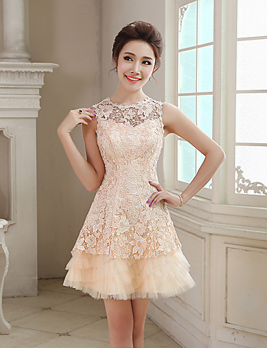 Кружевные платья короткие пышные