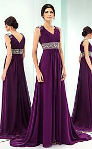Formal Evening Dress - Grape Plus Sizes A-line V-neck Sweep/Brush Train Chiffon