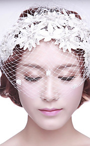 Bride's Flower Shape Rhinestone Foehead Wedding Birdcage Veils 1 PC