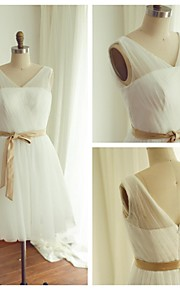 Knee-length Tulle Bridesmaid Dress - Ivory A-line V-neck