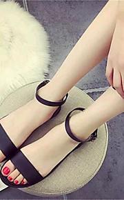 Черный / Белый-Женская обувь-Для прогулок / На каждый день-Дерматин-На плоской подошве-Удобная обувь-Сандалии