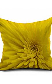 Chrysanthemum Cotton/Linen Pillow Cover , Nature Modern/Contemporary  Pillow Linen Cushion