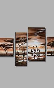 Dipinta a mano Astratto / Paesaggi / Animali / Fantasia Dipinti ad olio,Modern / Pastorale / Stile europeo Quattro Pannelli Tela