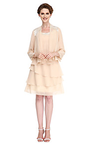 A-line Mother of the Bride Dress Knee-length 3/4 Length Sleeve Chiffon with Tassel(s)
