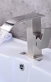 모던 아트 데코/레트로 우아한 주방,욕조수전(Centerset) 폭포 와이드를 분무 예비 세척 with  도자기 발브 싱글 핸들 두 구멍 for  브러시된 니켈 , 욕실 싱크 수도꼭지