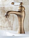 Traditional Centerset Single Handle One Hole in Antique Brass Bathroom Sink Faucet