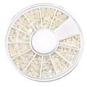 ミックスサイズの半円ホワイトパールネイルアートの装飾
