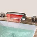 現代風 組み合わせ式 滝状吐水タイプ with  セラミックバルブ 二つのハンドル三穴 for  クロム , バスルームのシンクの蛇口
